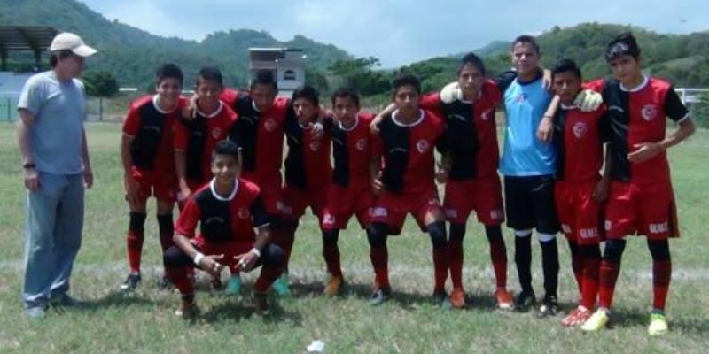 Ecuador vrijwilligerswerk voetbalprokect Puerto Lopez