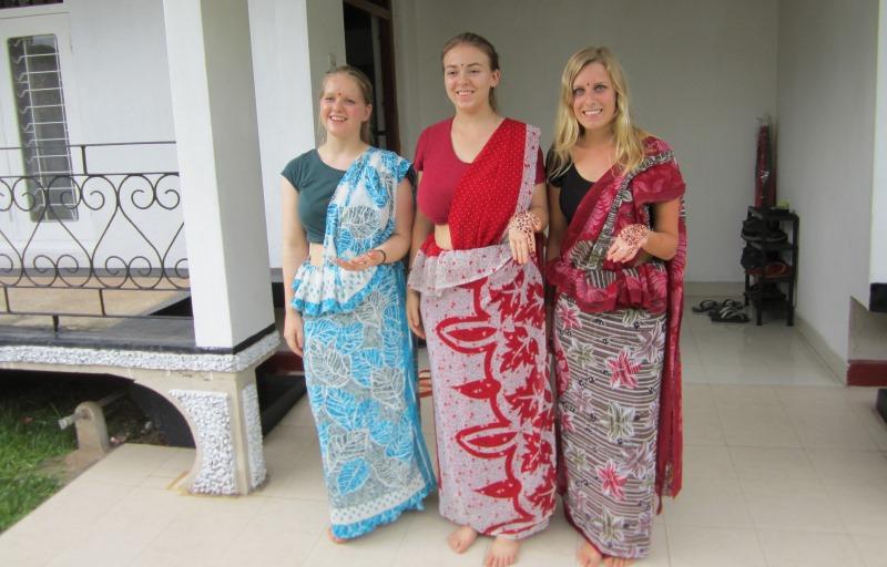 Sri Lanka Rosalie met 2 andere vrijwilligers