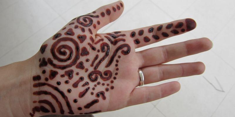 Sri Lanka henna painting Rosalie