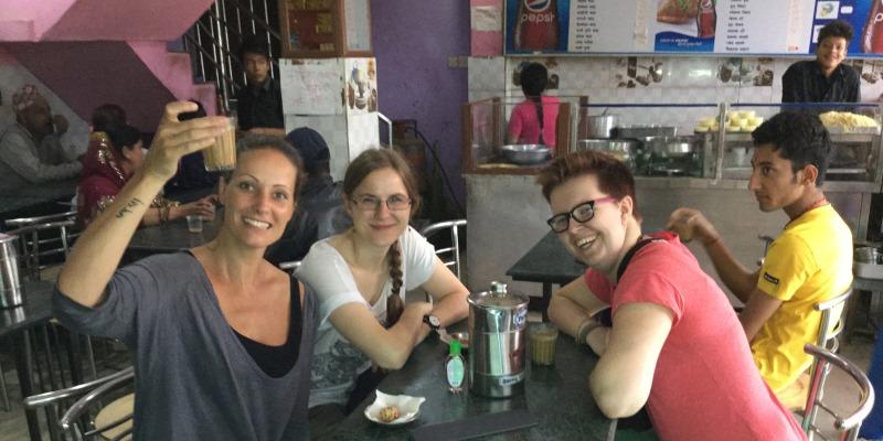 Vrijwilligerswerk Kathmandu Yvette met vrijwilligers