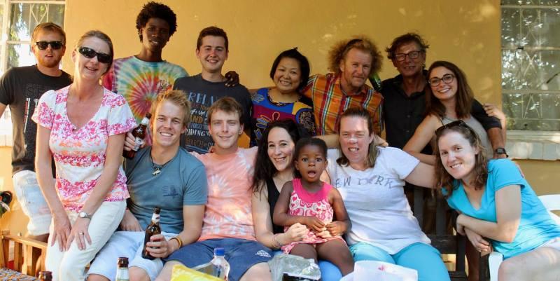 Vrijwilligerswerk Zambia Anne met alle vrijwilligers