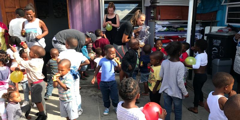 Zuid-Afrika Surf and Adventureclub werkzaamheden op school