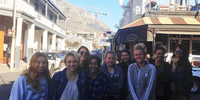 Zuid-Afrika vrijwilligerswerk kaapstad DIY vrijwilligers in wijk Observatory.jpg