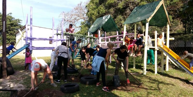 Zuid-Afrika Zululand speeltuin aanleggen