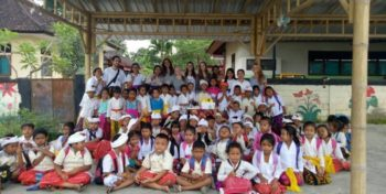 Bali vrijwilligerswerk en cultuur schoolklas
