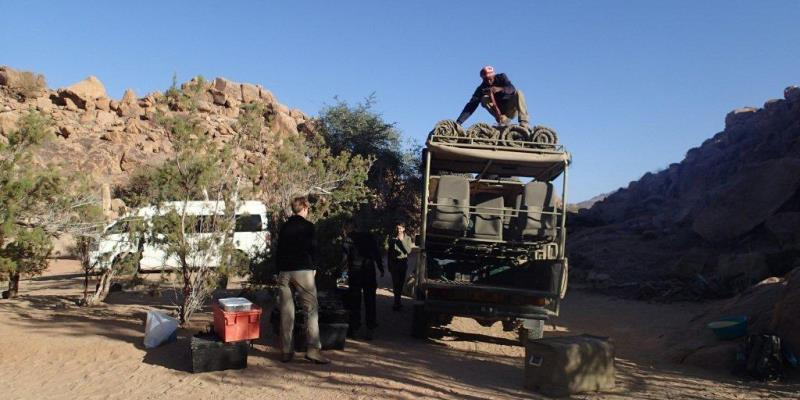 Namibia Expedition Basiskamp onderweg naar volgende plek