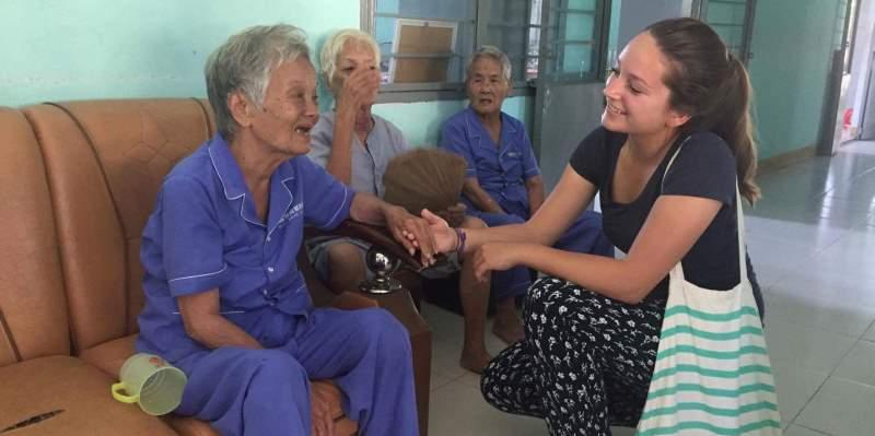 Vrijwilligerswerk Vietnam Marieke bij ouderenzorg