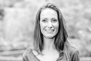 Yvette Teeselnk