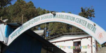 Vrijwilligerswerk Nepal Annick bezoekt disabled rehab project