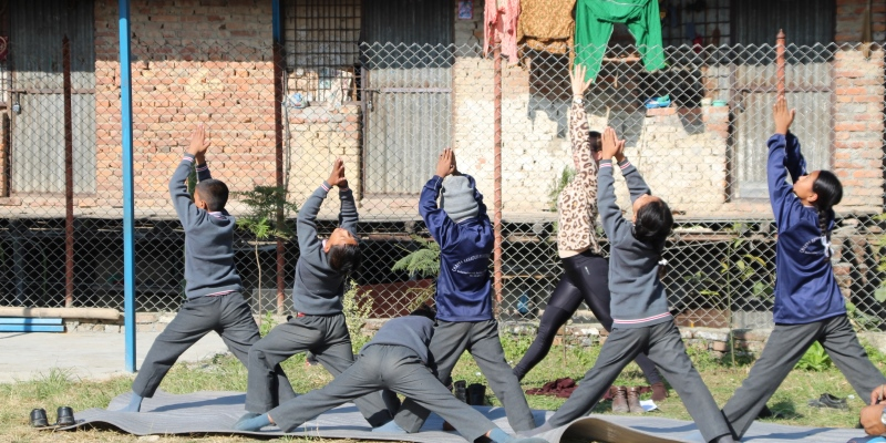 Vrijwilligerswerk Nepal Annick bezoekt yogales