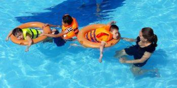 Vrijwilligerswerk Vietnam Marieke in zwembad