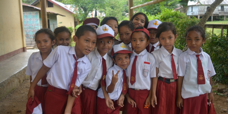 Vrijwilligerswerk Flores schoolfoto