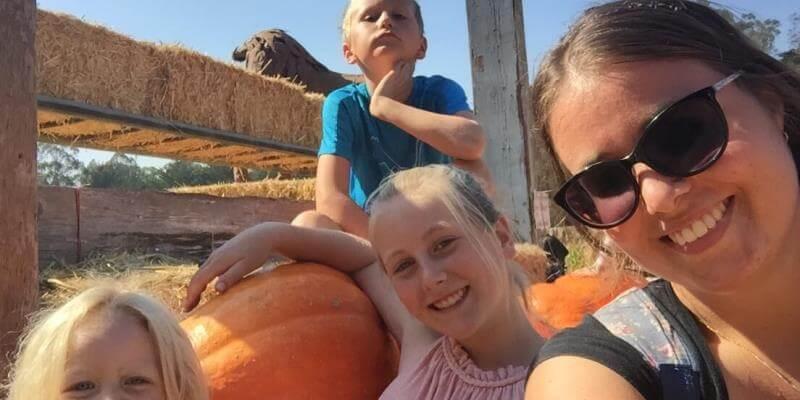 Au Pair Amerika Charlotte met haar kinderen