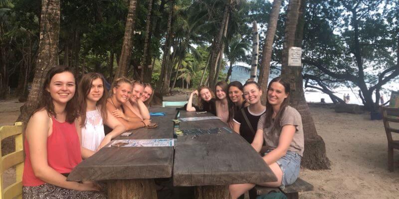 Kickstart Costa Rica Brenda en andere vrijwilligers