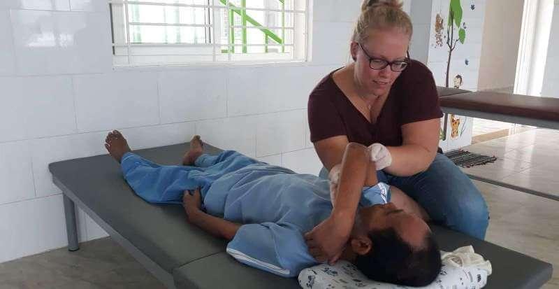 2 maanden Vietnam Iris fysiotherapie