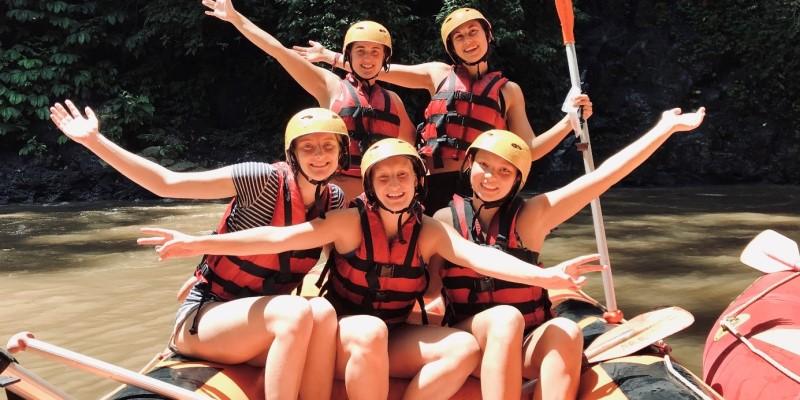 Vrijwilligerswerk Cambodja en Bali Adventure week raften