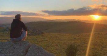 Kruger to Coast Koen bij zonsondergang