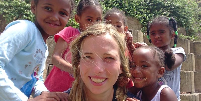 Kruger to Cape week 9 en 10 Vrijwilligerswerk Houtbaai Esther met vlechtjes